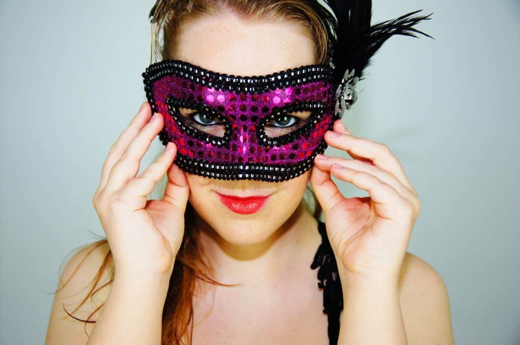 16-year-old-birthday-ideas-masquerade-party