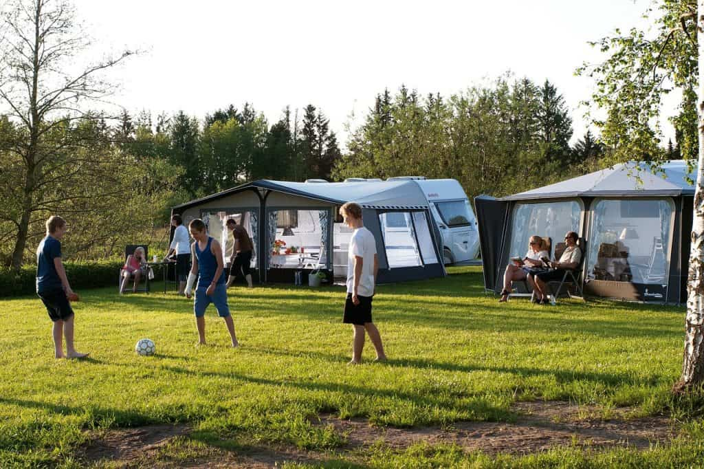 camping-as-18th-birthday-party-idea
