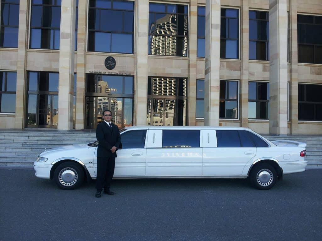 limousine-night-party-for-18-year-old